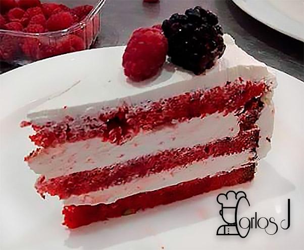 Tarta Velvet con bizcocho terciopelo rojo
