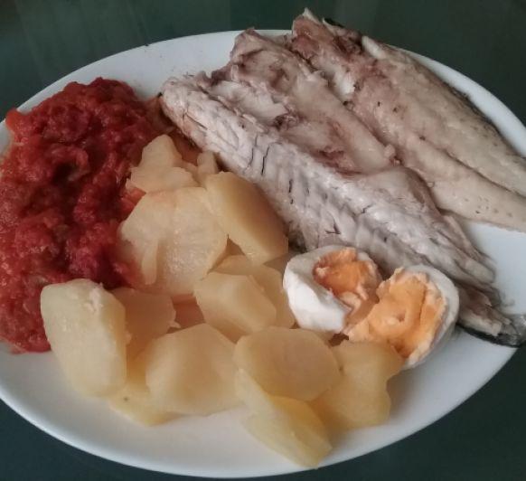 Menu Completo: Pisto y Lubina con Patatas y Huevo