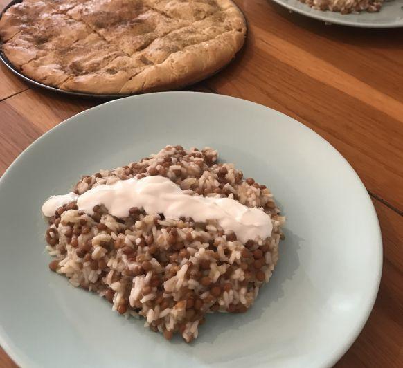Pan especiado libanés y arroz con lentejas y cebolla frita en Thermomix® Badajoz.