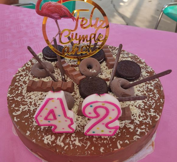 Tarta de flan y chocolate rellena de profiteroles de nata - Thermomix® - Don Benito - Badajoz