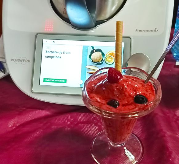 Sorbete de frutas rojas congeladas
