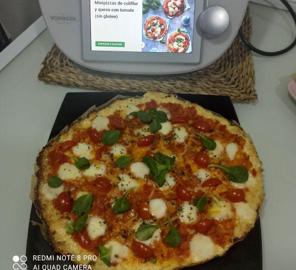 Mini pizzas de coliflor y queso con tomate Thermomix® Zafra