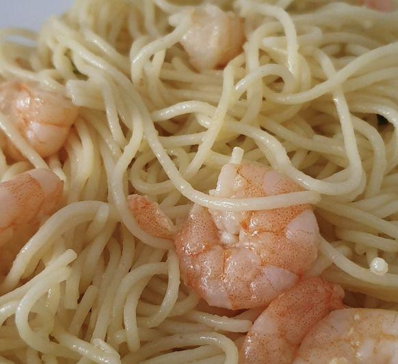 Espaguetis con gambas al ajillo con Thermomix® Villanueva de la Serena- Badajoz